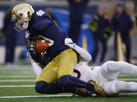 Notre_Dame_tackle_AP_PHOTO_440px.jpg