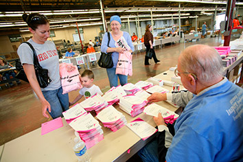 Race for the Cure packet pickup