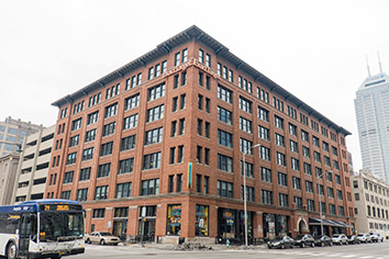 Salesforce expanding downtown, seeking big block of space